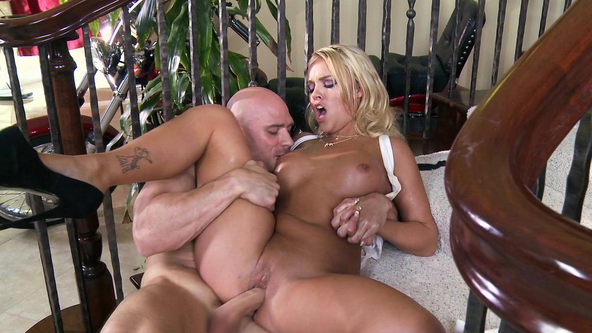 Kissa Johnny Sins Threesome