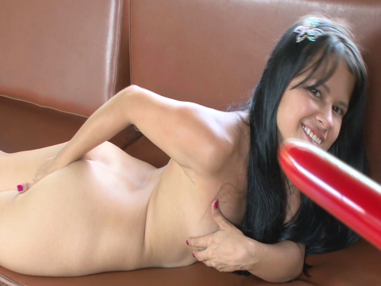 Lupe Vargas Bangs Her Puss With Red Dildo - Hell Porno