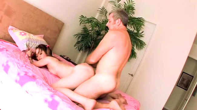 Making pusy wet for licking
